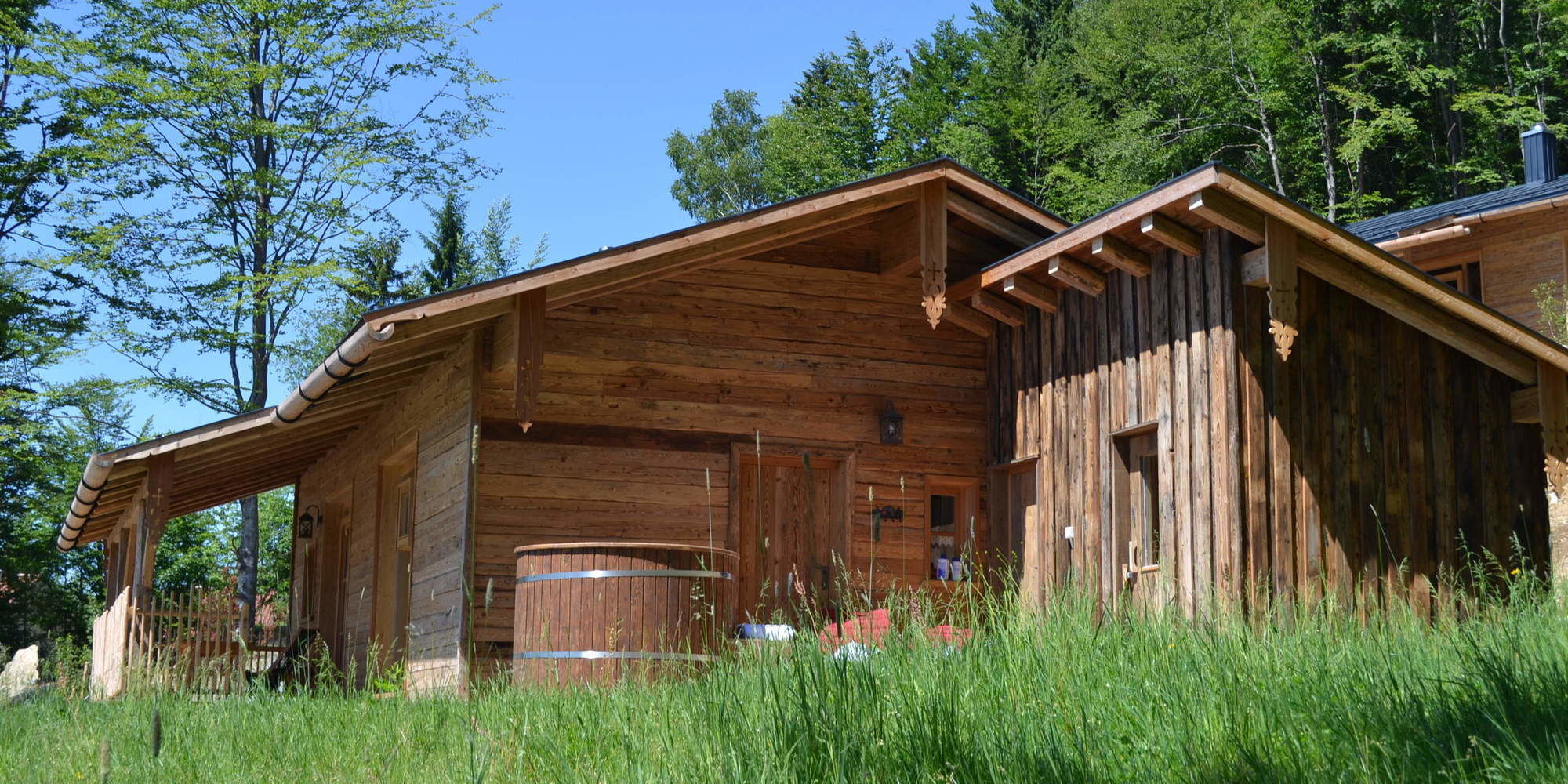Almdörfer mit Luxus Chalets in Bayern